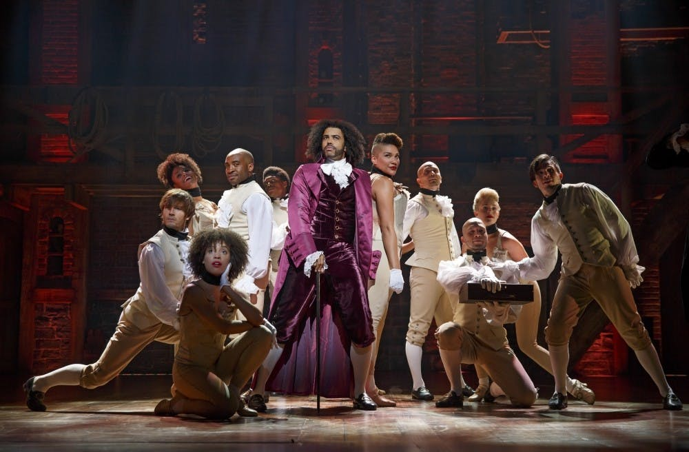 31661_hamiltonbway0341r_daveed_diggs_as_thomas_jefferson_and_the_ensemble_of_hamiltonf