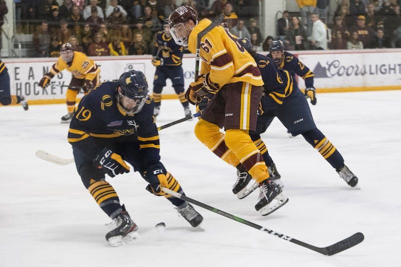 hockey vs quinnipiac 4635