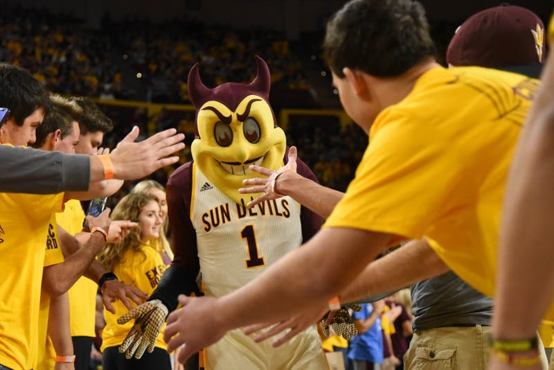 942 Crew Greets Sparky