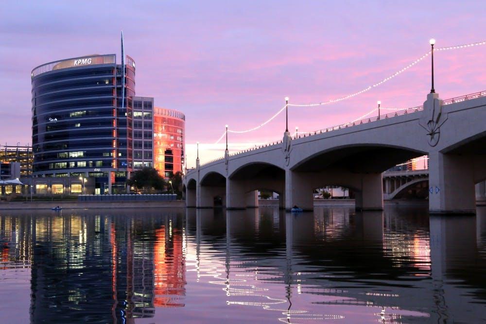 tempe_town_lake_at_sunset