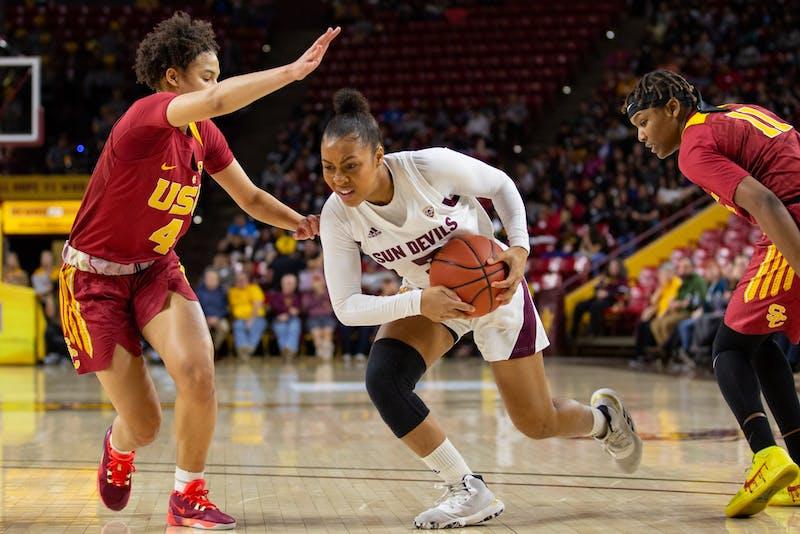 20200131 women's basketball vs USC 0008