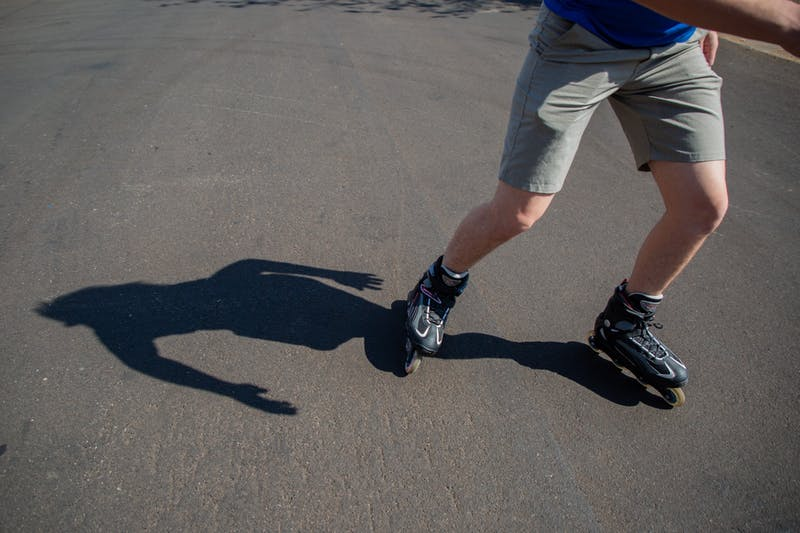 Half-naked rollerbladers in Tempe draw eyes, internet clout and police