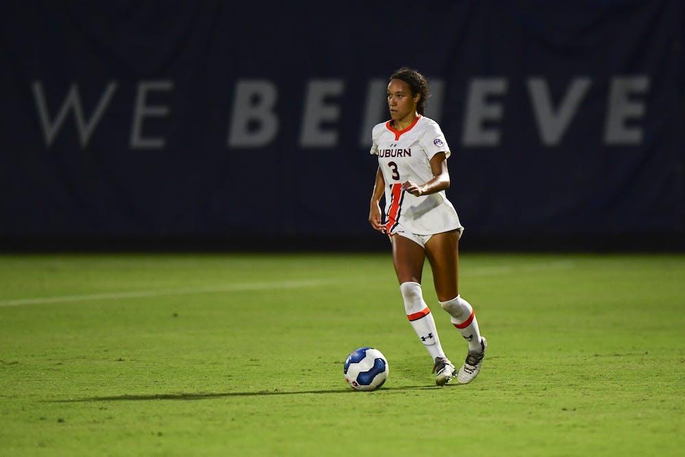 alyssa-malonson-3-soccer-vs-miss-st-20200918-sl1-0586-edited