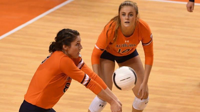 Brenna McIlroy (8). Auburn volleyball vs Mizzou on Friday, Sept. 29, 2017, in Auburn, Ala.
