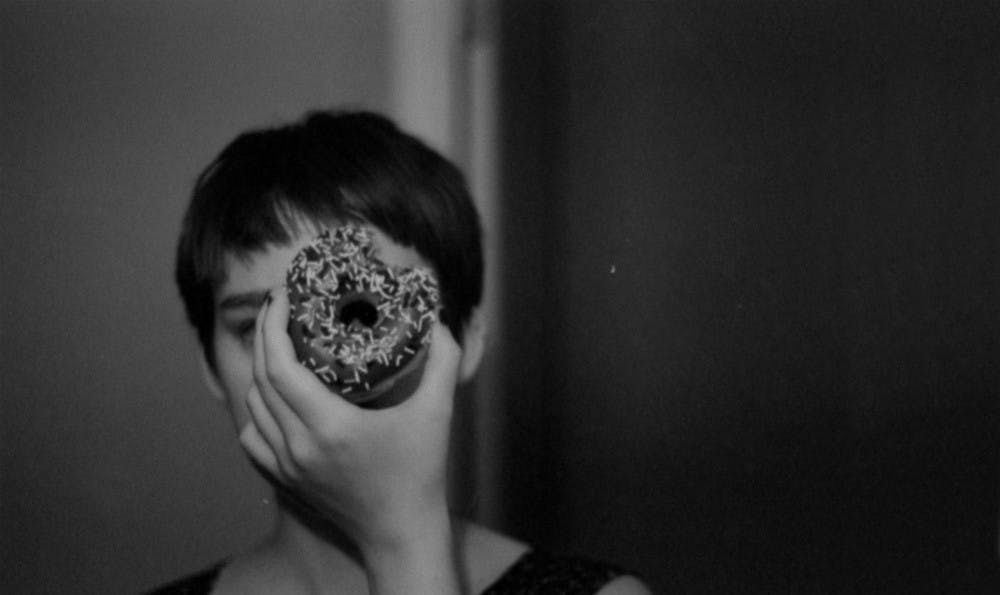 va139_window_donutface