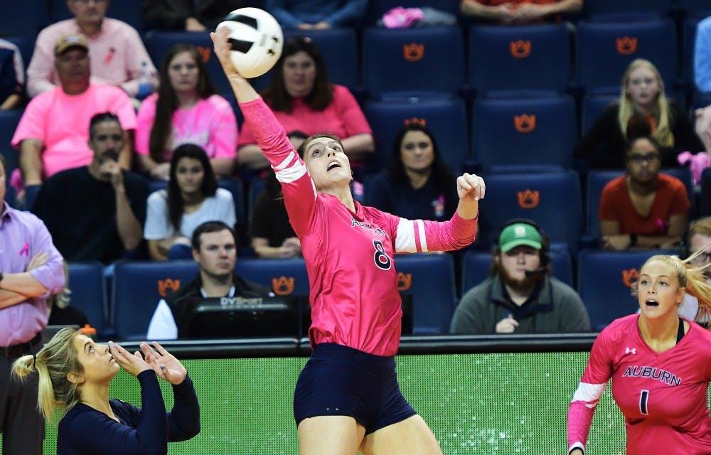 Brenna McIlroy (8)Auburn Volleyball vs Arkansas on Sunday, October 28, 2018 in Auburn, Ala.  Anthony Hall/Auburn Athletics