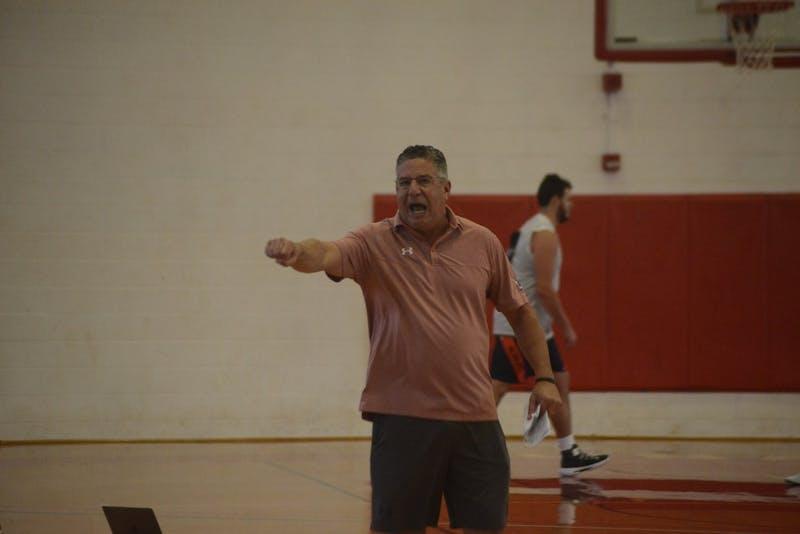 Maui Practice Coach Bruce Pearl
