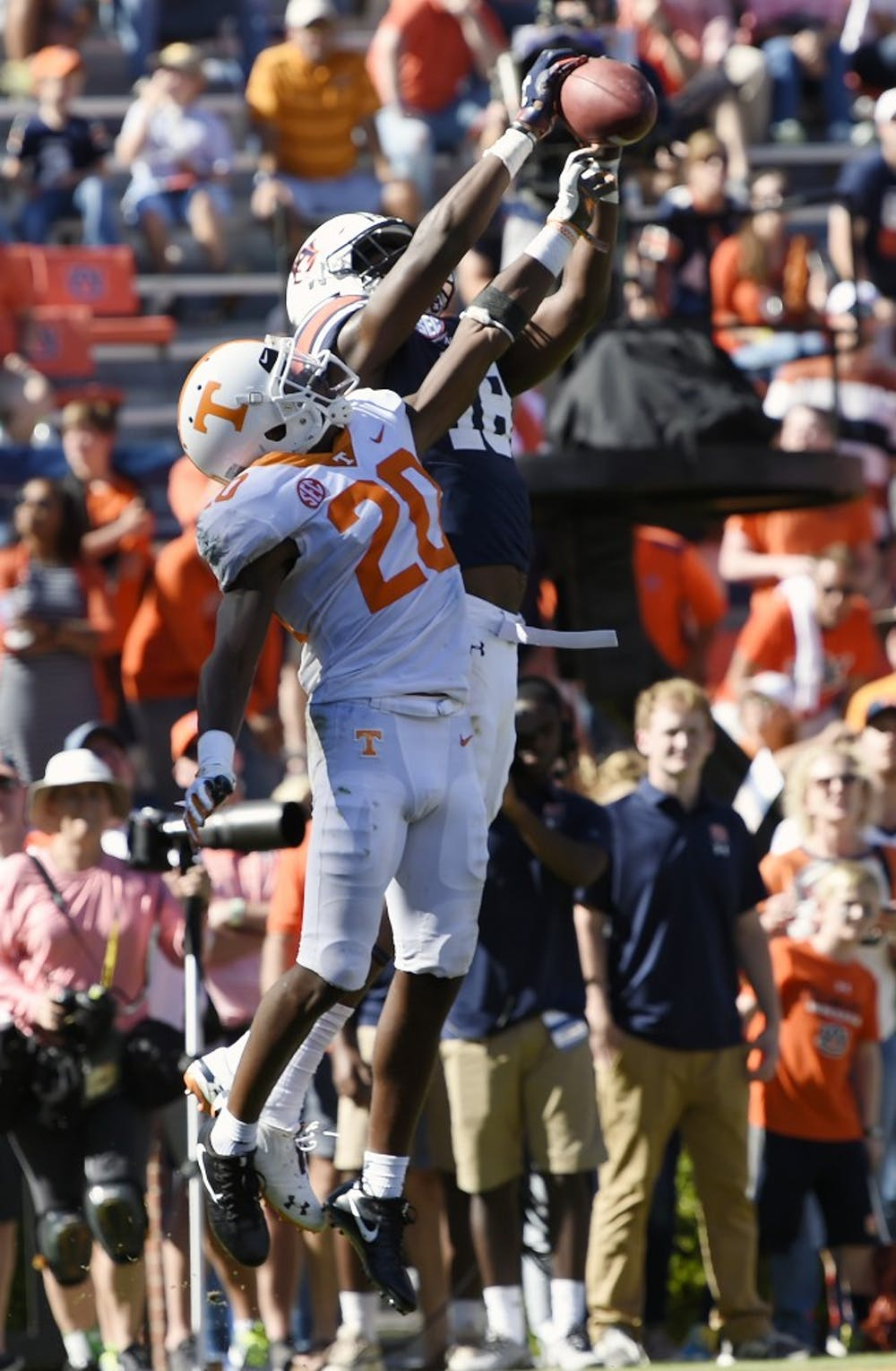 Seth Williams catches a touchdown in the second half.