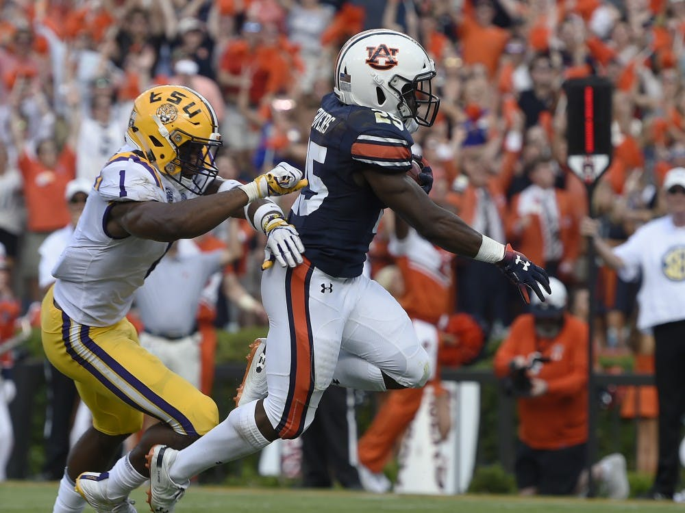 Auburn's Shaun Shivers scores Auburn's second TD of the first half.