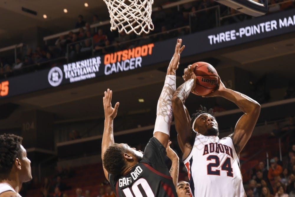 Anfernee McLemore (24)Auburn basketball vs Arkansas on Wednesday, February 20, 2019, in Auburn, Ala. Photo: Wade Rackley /Auburn Athletics