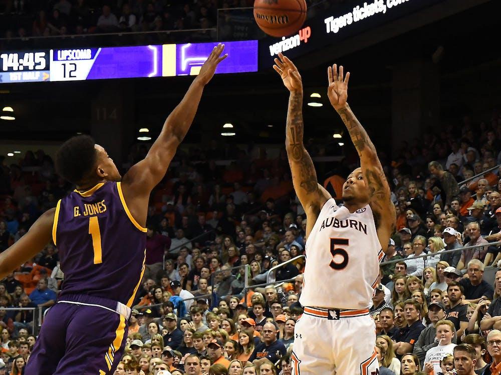 J'Von McCormick (5) shoots in the first half.  Auburn Mens Basketball vs Lipscomb on Sunday, December 29, 2019 in Auburn, Ala.Anthony Hall/Auburn Athletics
