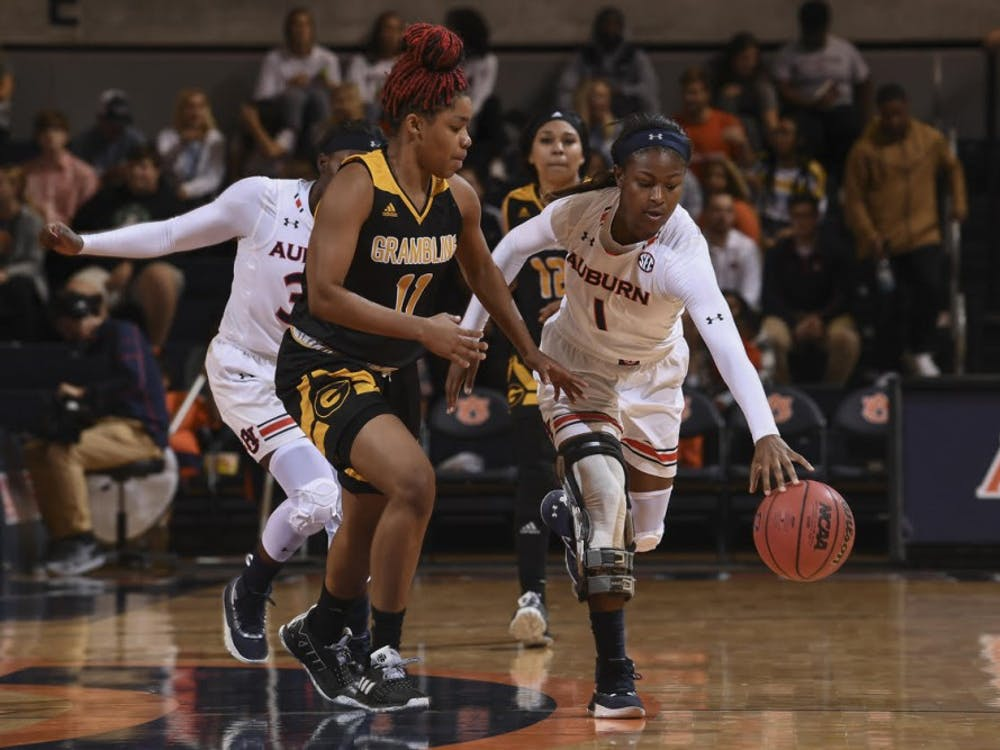 Robyn Benton (1) Auburn women's basketball vs Grambling State on Tuesday, November 6, 2018, in Auburn, Ala.