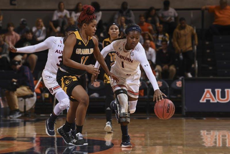 Robyn Benton (1) Auburn women's basketball vs Grambling State on Tuesday, November 6, 2018, in Auburn, Ala.
