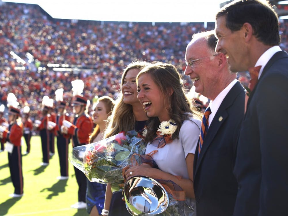 Kate Hardman is crowned Auburn University Miss Homecoming 2016. Kathryn Weller