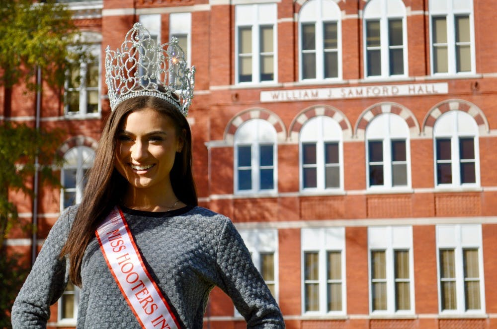 'There's a classy aspect to what we've got': Auburn student crowned Miss Hooters International 2018