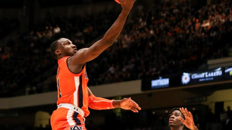 Jared Harper (1) shoots a layup during Auburn basketball vs. UAB on Dec. 15, 2018, in Birmingham, Ala / AUBURN ATHLETICS