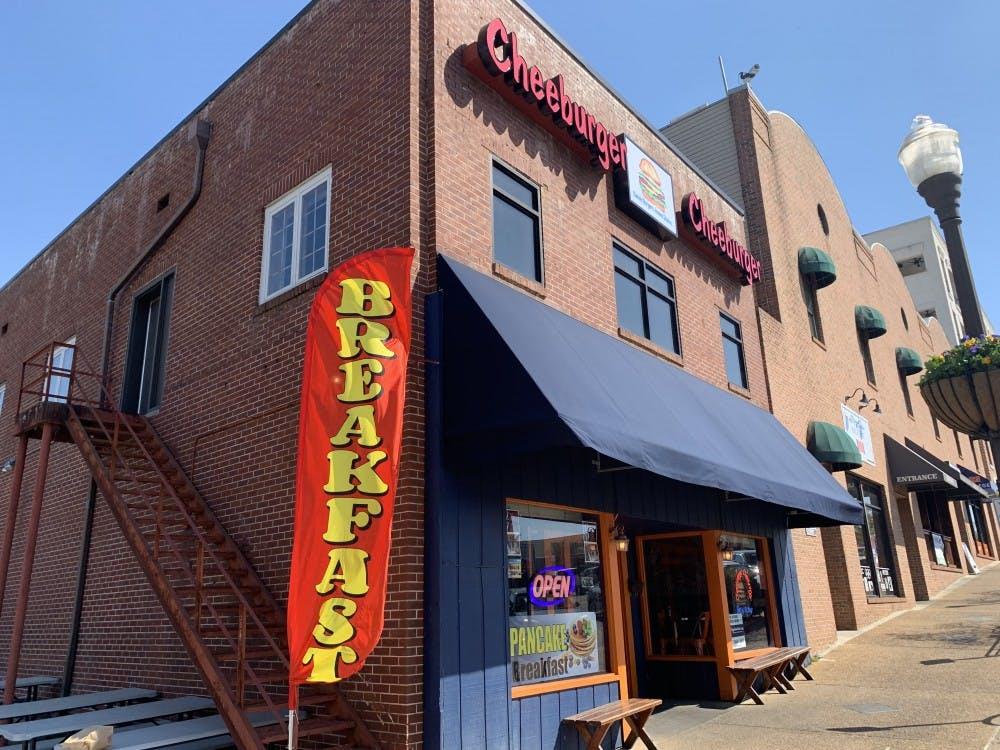 Cheeburger Cheeburger in downtown Auburn adding breakfast menu
