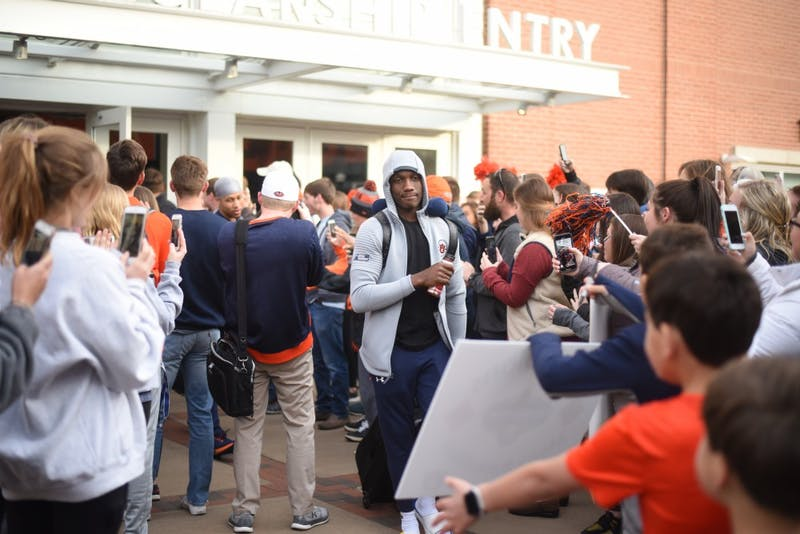 GALLERY: Auburn basketball departs for NCAA Tournament | 3.19.19