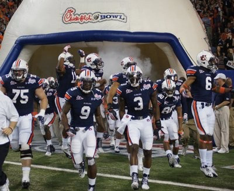 Auburn defeats Virginia 43-24 in the 2011 Chick-fil-a Bowl.