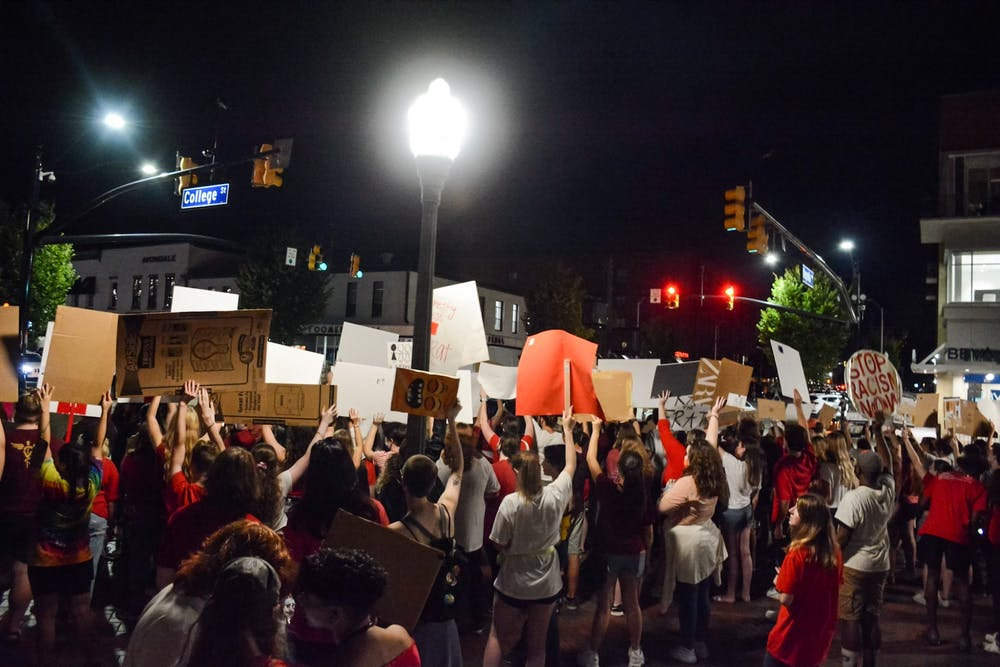 Students return to Toomer's Corner to protest sexual assault on campus