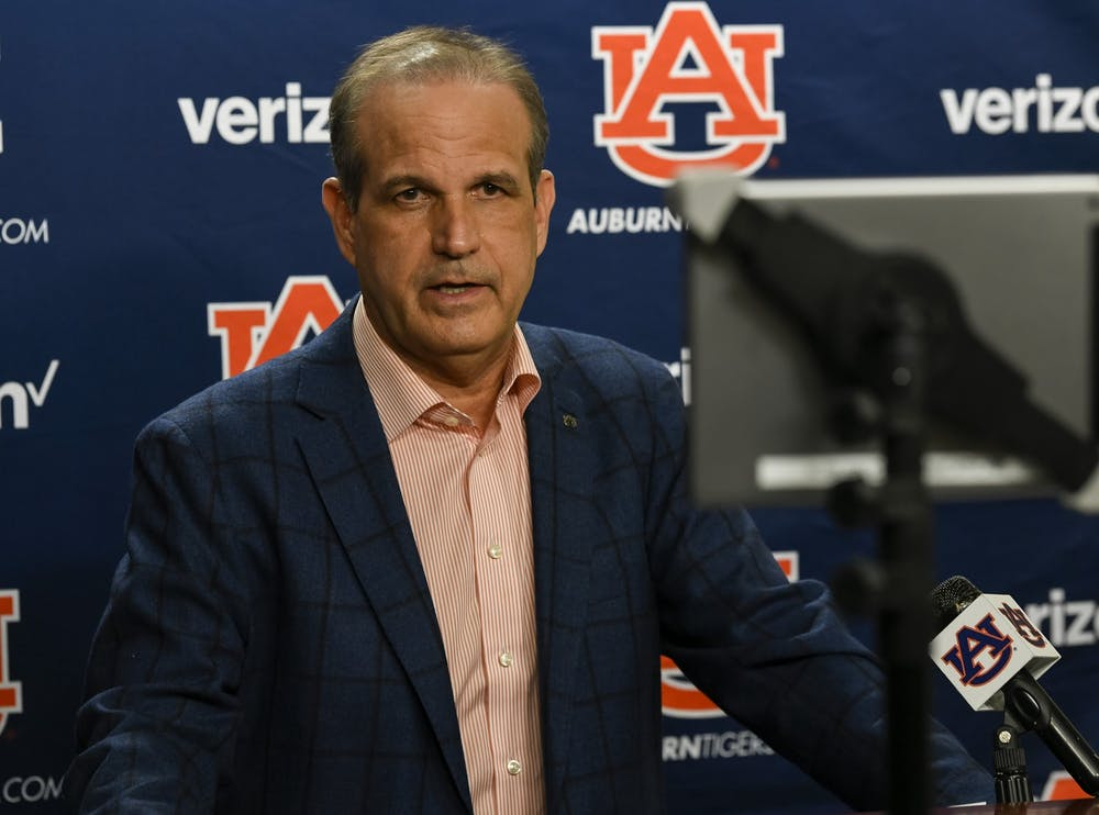 Auburn adds 12 in early signing day class