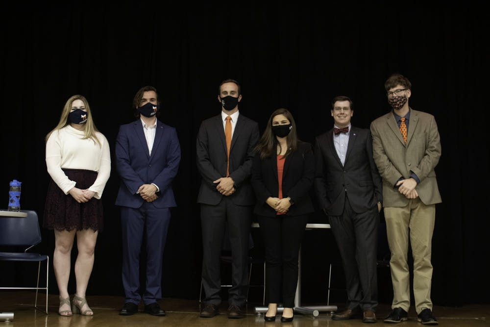 Political student organizations debate current issues