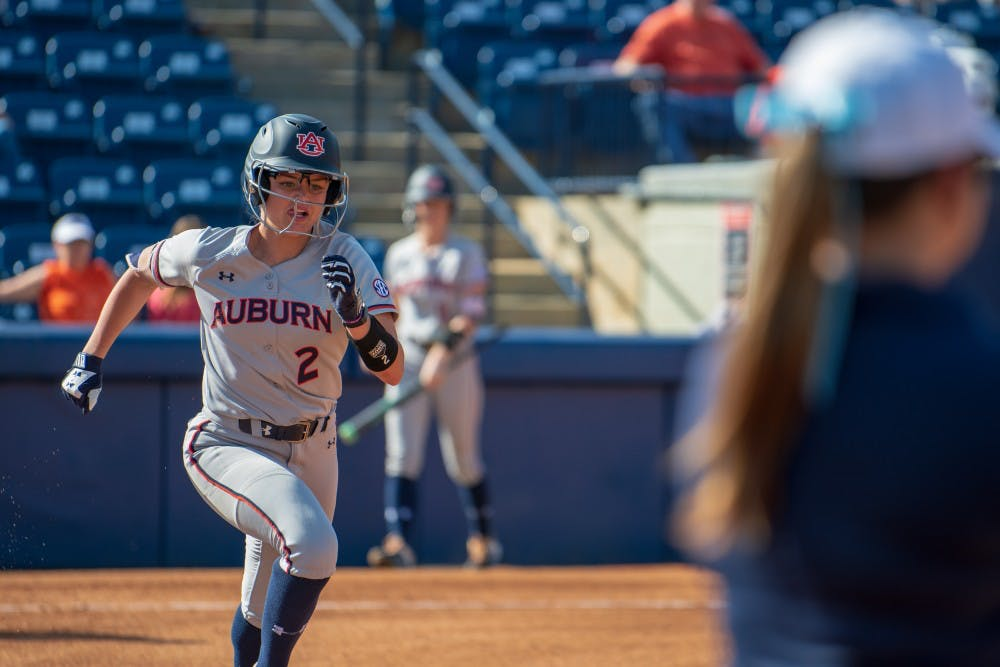 Auburn run-rules No. 20 Oregon, falls in extras to No. 5 Washington
