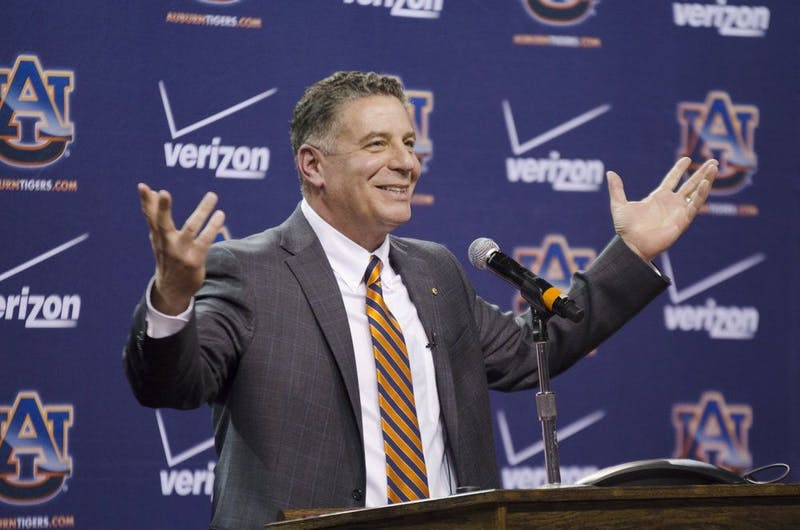 Bruce Pearl speaks to an audience of media and students at a press conference in the Auburn Arena. Raye May / DESIGN EDITOR
