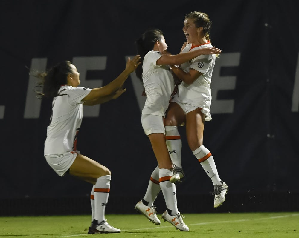 Auburn earns first win after last-second goal against Ole Miss