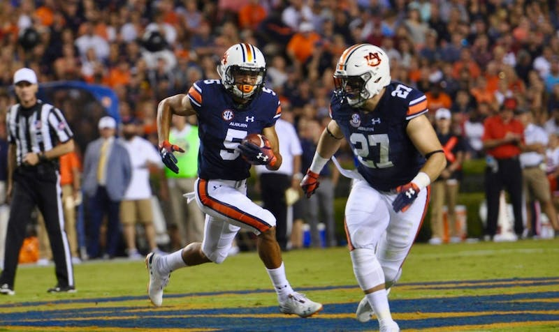 Anthony Schwartz (5) runs with the ball during Auburn football vs. Arkansas on Sept. 22, 2018, in Auburn, Ala.