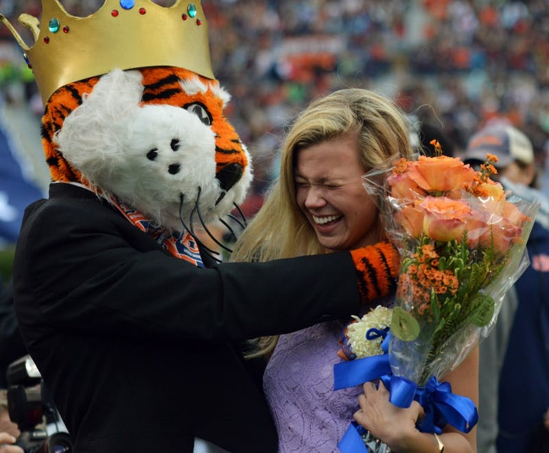 Taylor Wesley hugs Aubie after being named Miss Homecoming. San Jose State at Auburn on Oct. 3.