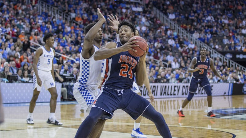 Anfernee McLemore (24) makes a move in the post during Auburn basketball vs. Kentucky in the Midwest Regional Final of the 2019 NCAA Tournament on March 31, 2019, in Kansas City, Mo. Photo courtesy Lauren Talkington / The Glomerata.