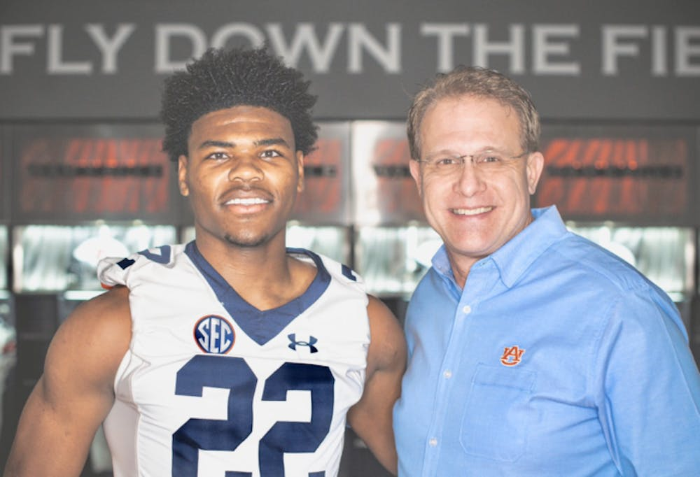 Auburn lands commitment from 4-star linebacker Trenton Simpson