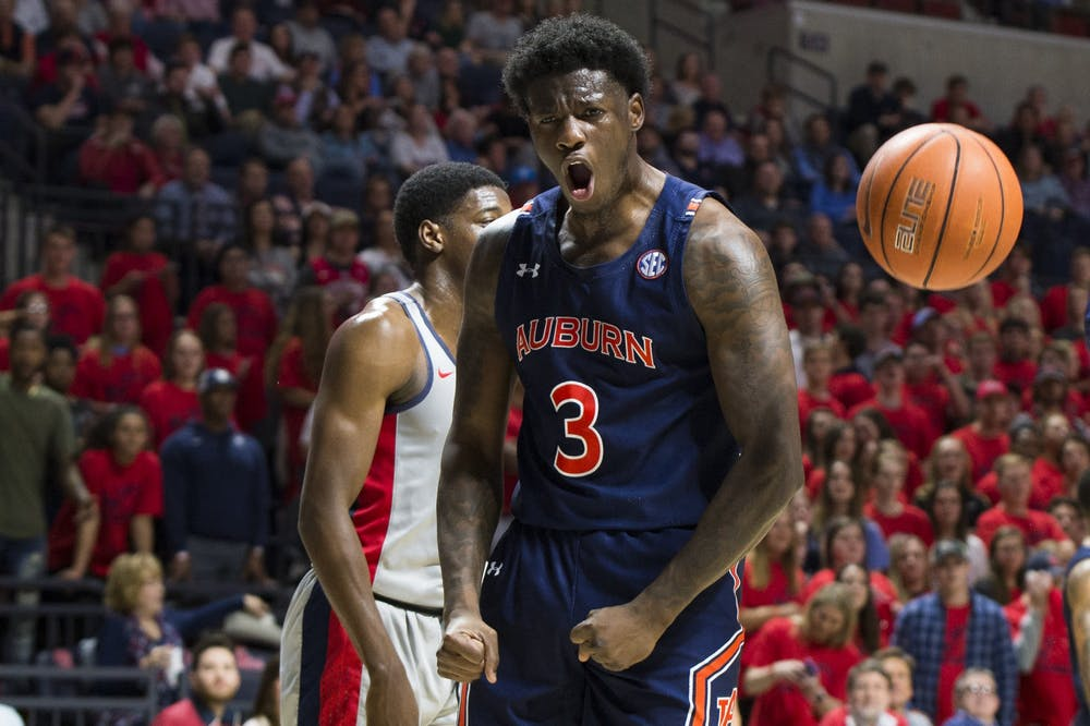 Auburn rallies for 19-point comeback win at Ole Miss