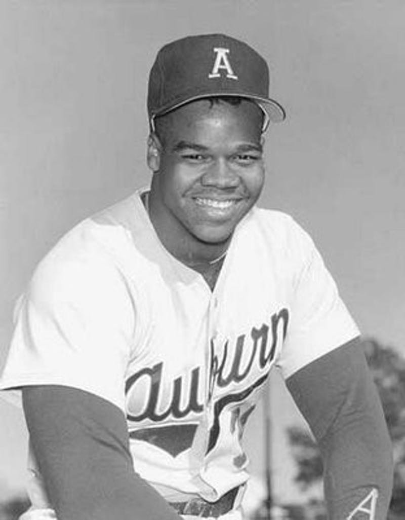 Frank Thomas poses for a team photo during his baseball days at Auburn. (Auburn University Libraries)