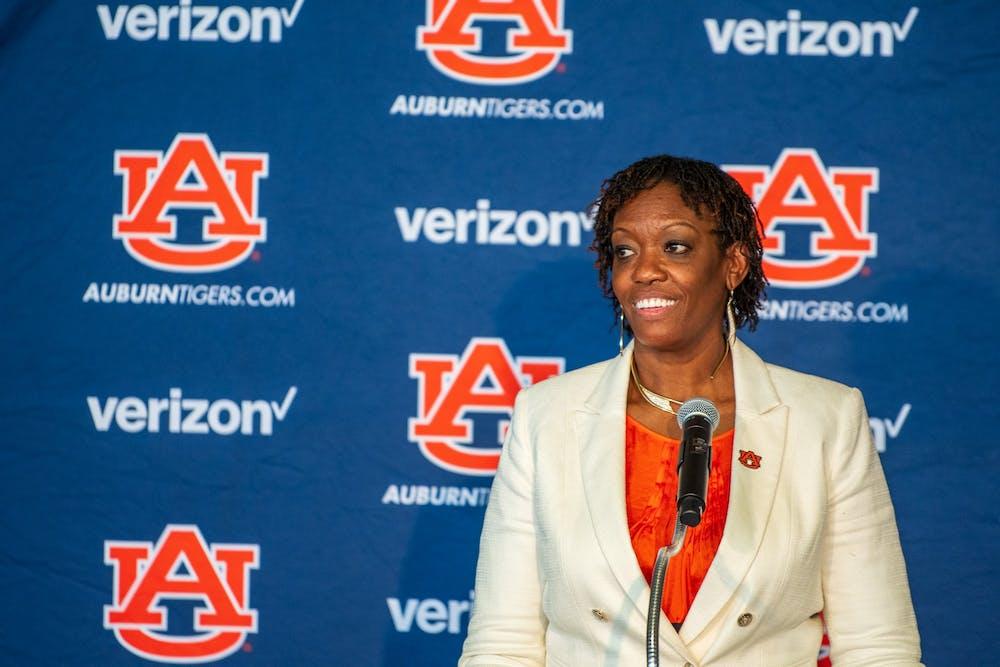 Auburn lands 2022 legacy guard Audia Young