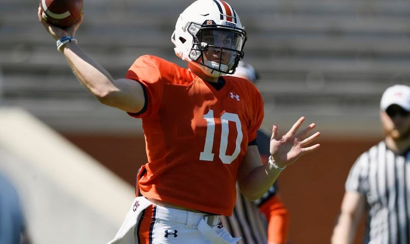 Bo Nix makes a throw in practice Saturday. Auburn football practice, first day in pads, on Saturday, March 23, 2019 in Auburn, Ala.