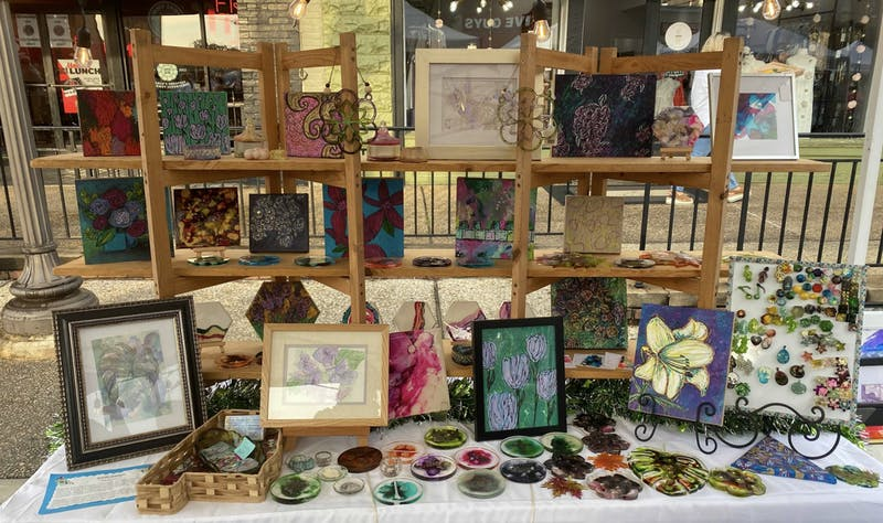 The SummerNight Downtown Art Walk is hosted annually by the Auburn Arts Association, City of Auburn, Jan Dempsey Community Arts Center and the Downtown Merchants Association.