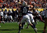 Bo Nix (10) passes the ball during Auburn Football vs. Minnesota on Jan. 1, 2020, in Tampa, Fla.