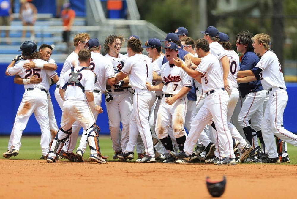 Jarvis' walk-off lifts Auburn past Florida, forces winner-take-all in Gainesville Super Regional