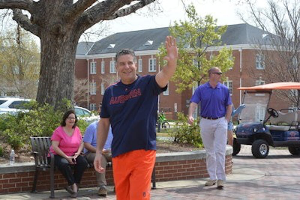 Bruce Pearl supports local charity with Fore The Children Golf Tournament