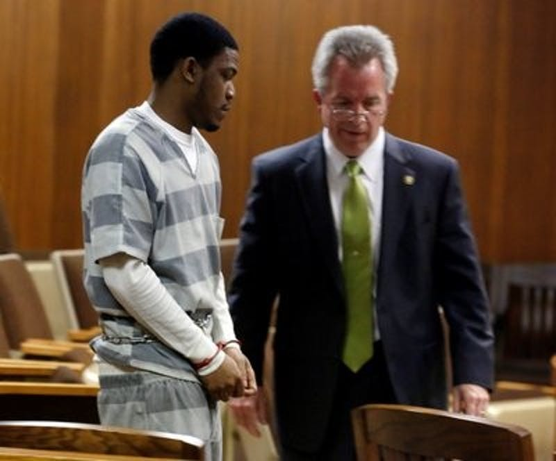Markale Hart enters a Lee County courtroom with his defense attorney Jerry Blevins for his preliminary hearing last year. (Todd Van Emst | Opelika-Auburn News)