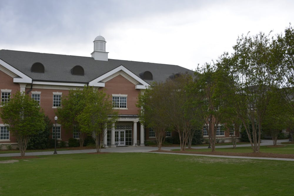 Science labs use online elements for remote classes