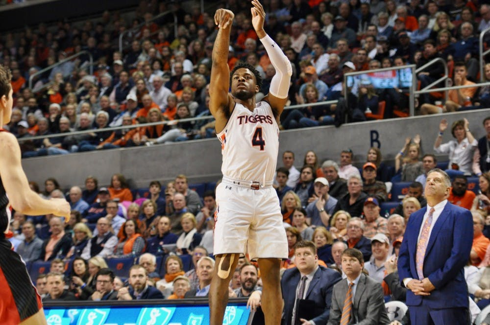 Auburn returns home with offensive surge in 93-78 win over Georgia