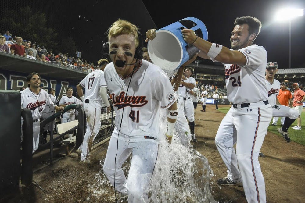 Williams' improbable walkoff lifts Auburn to 3rd straight regional final
