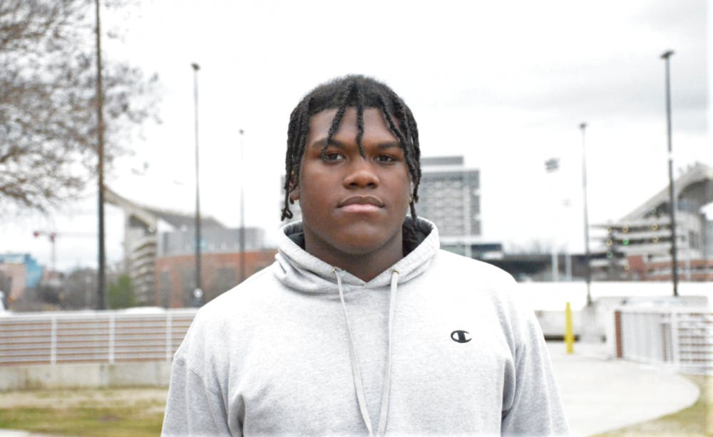 5-star Georgia OT commit Broderick Jones 'definitely coming back' to Auburn after visit