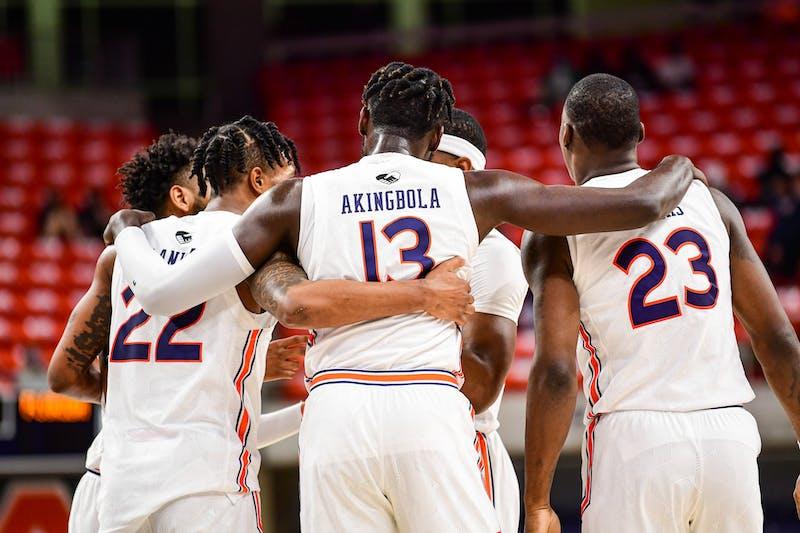 Feb 23, 2021; Auburn, AL, USA; the team talks in the huddle during the game between Auburn and Florida at Auburn Arena. Mandatory Credit: Shanna Lockwood/AU Athletics