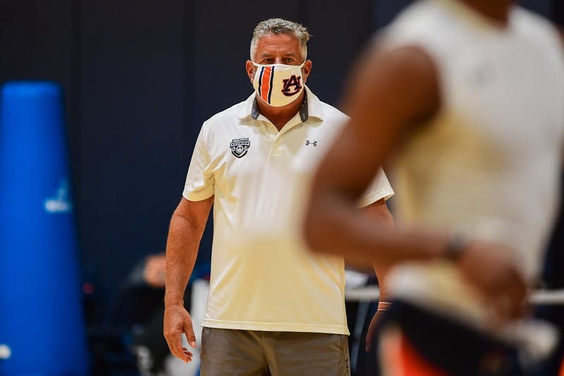 Auburn basketball head coach Bruce Pearl during practice. Photo via: Shanna Lockwood | Auburn Athletics.