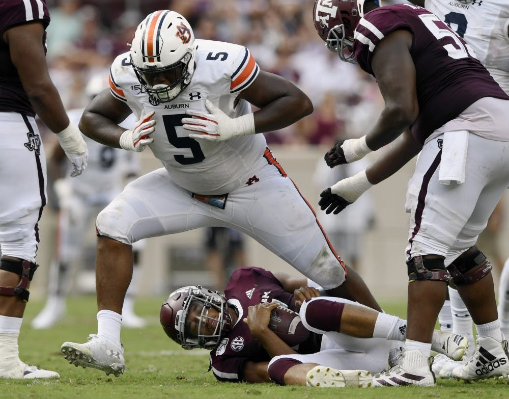 Defense's dominating first-half performance carries Auburn to road win