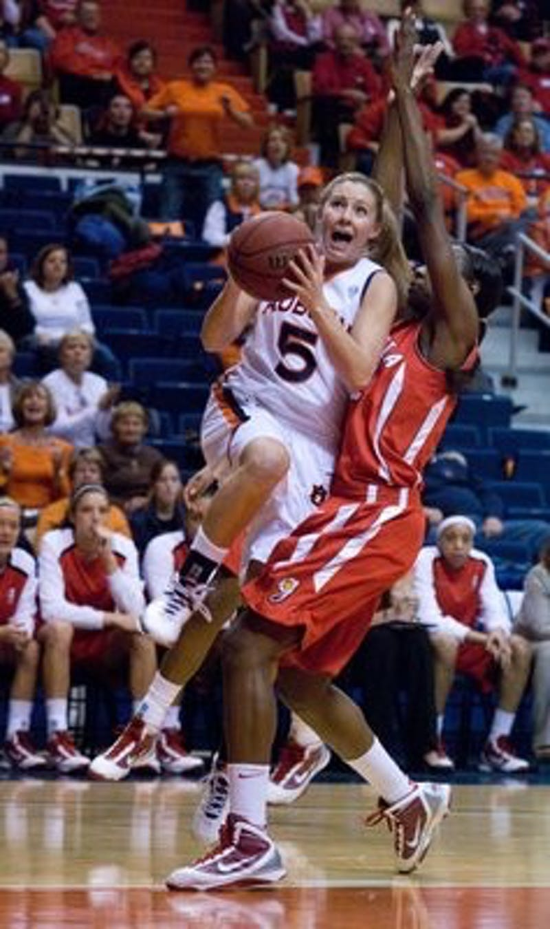 The Auburn women's basketball team defeated No. 9 Georgia 67-53.